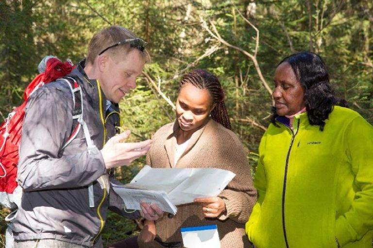 Päättäjien Metsäakatemia: Opastus Suomen metsiin englanniksi